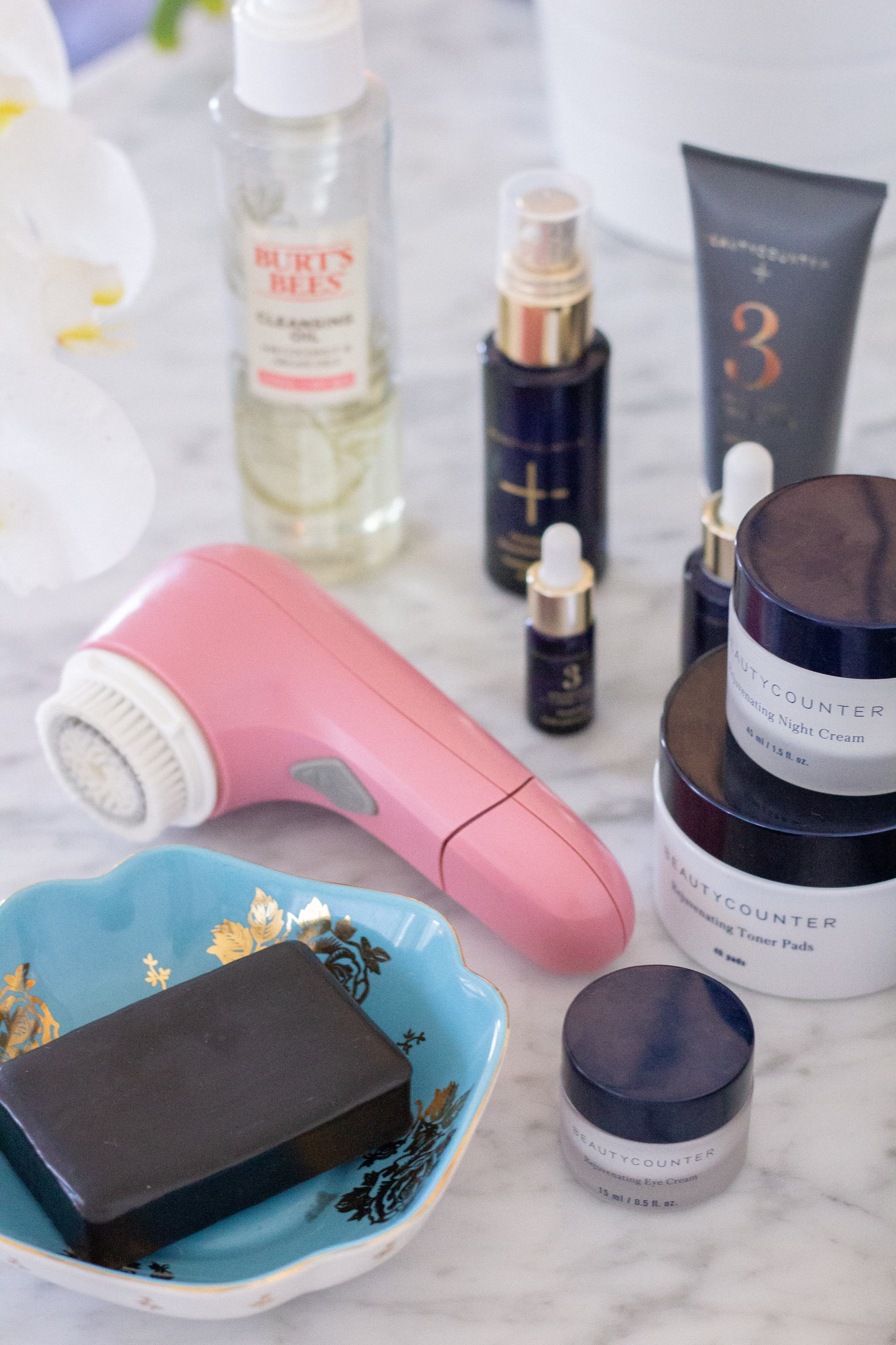 night time skin care routine - beautycounter - best night time skin products - overnight resurfacing peel - the best night cream for anti aging - beautycounter product review - beautycounter products - beautycounter reviews - beautycounter charcoal mask