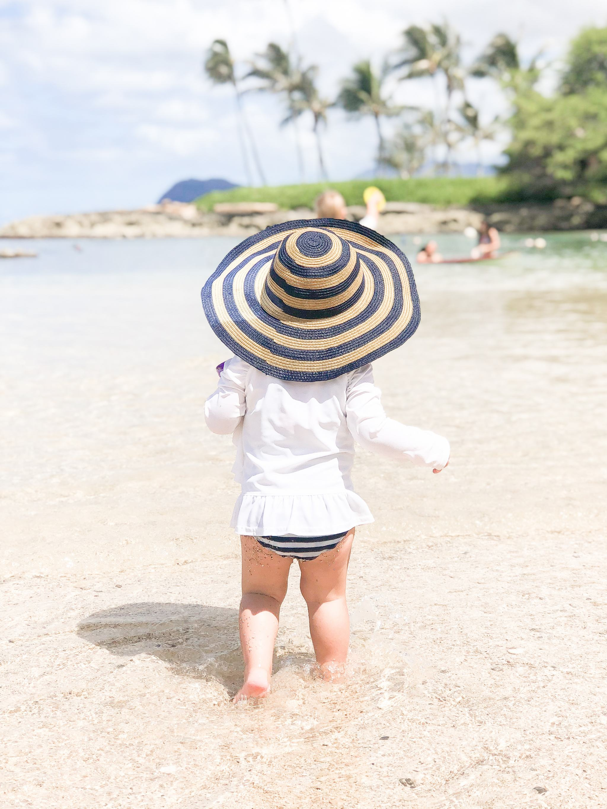striped sunhat - girls striped sunhat - carters striped sunhat - toddler girls style - toddler sun protection - toddlers on the beach - toddler must haves for the beach