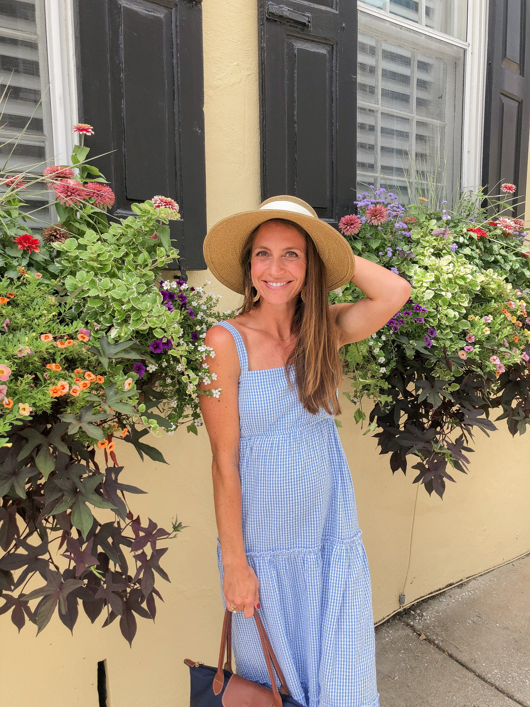 flower boxes in charleston - charleston flower boxes - madison mathews maxi dress - tuckernuck packable bow sun hat - things to do in charleston