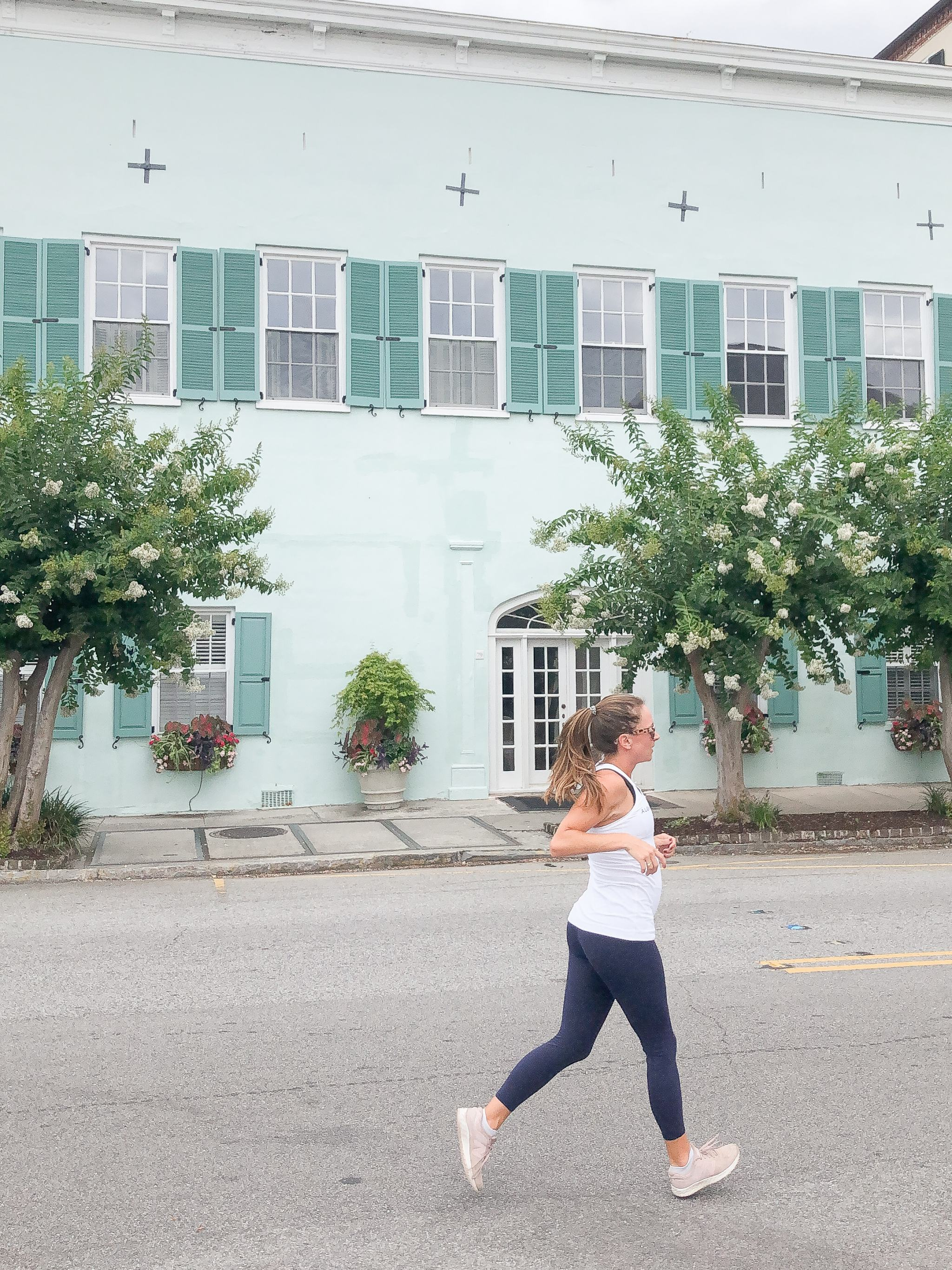 running in Charleston - pregnancy fitness - rainbow row charleston