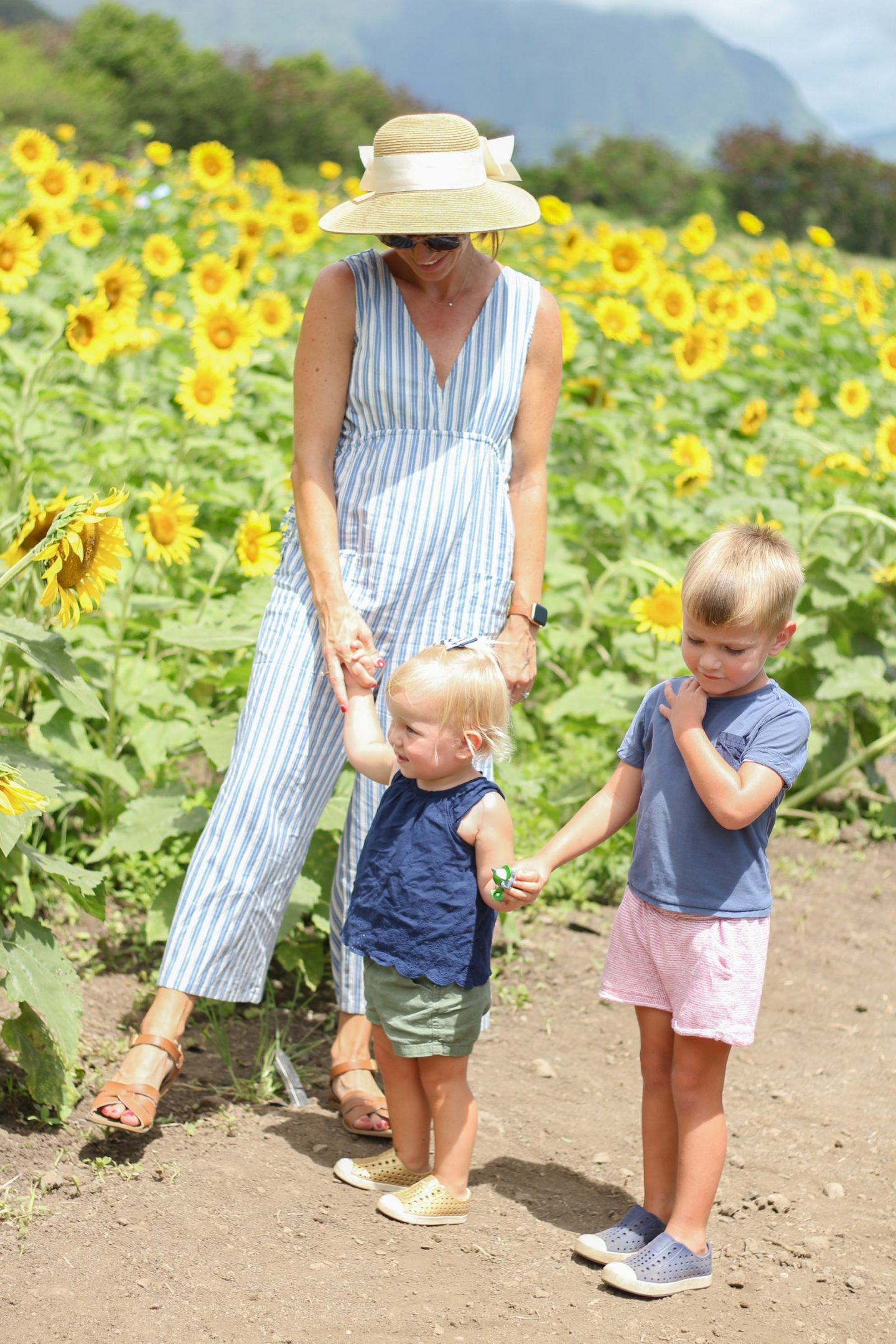 Summer Jumpsuits and A Trip to the Waimanalo Country Farms Sunflower Field