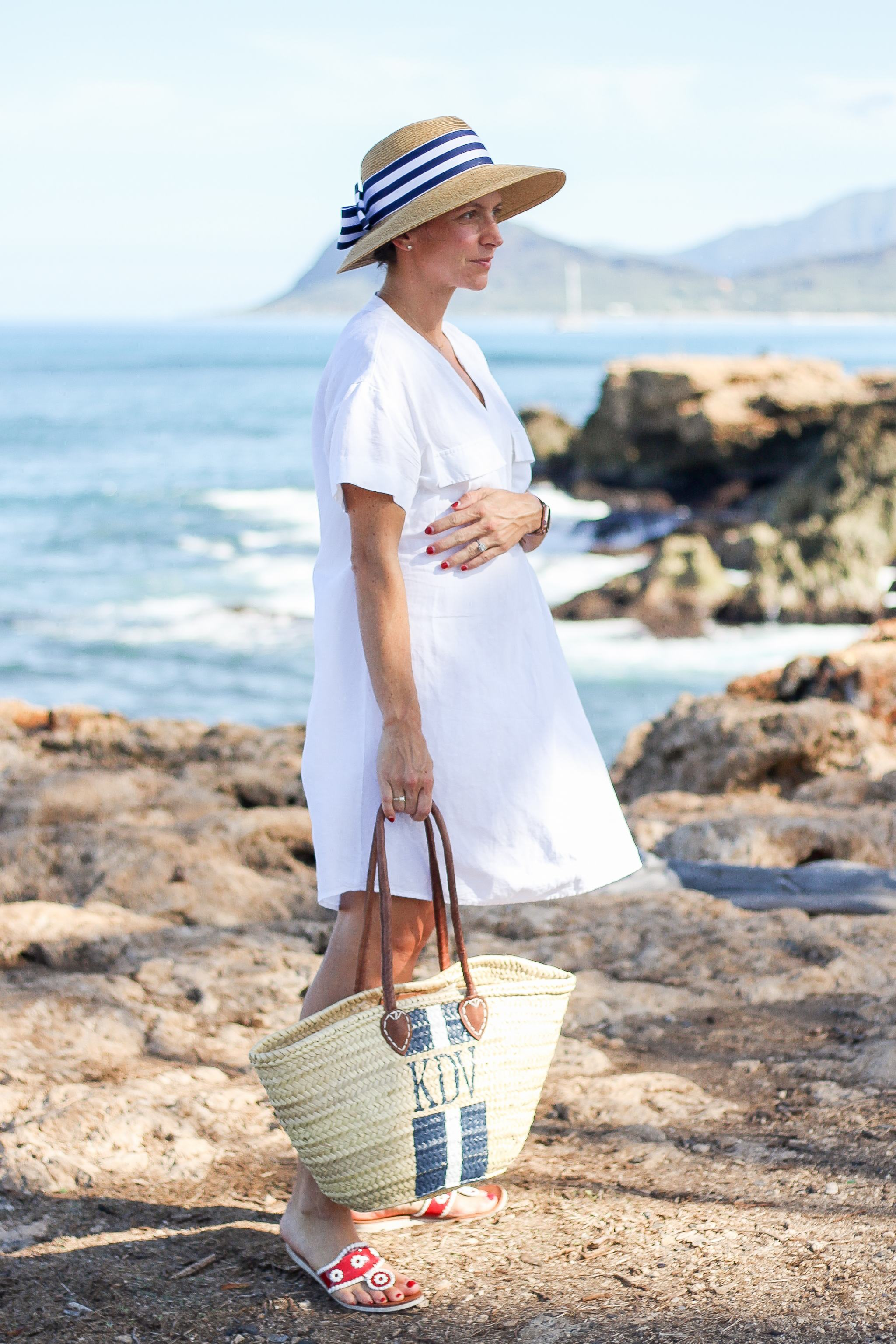 the monogram corner - Americana - basket bag - maternity style - 4th of july - 4th of july family outfit ideas - red white and blue outfits - blue and white outfits - summer style - beach outfit ideas - sun hat with bow - sun hat with striped ribbon - monogrammed bubble