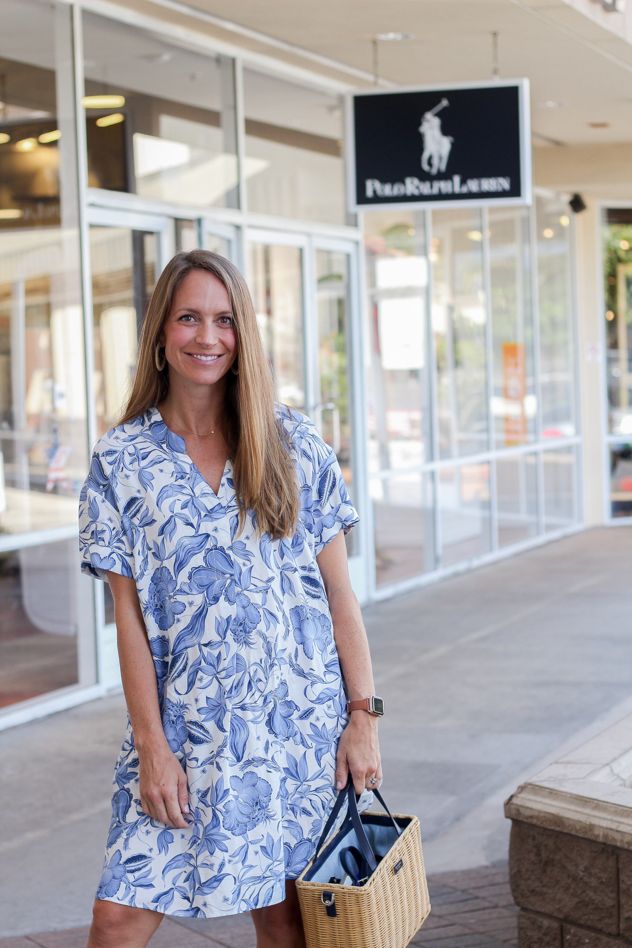 shopping at Waikele Premium Outlets - Simon Center Outlets - outlet mall Hawaii - Oahu outlet mall - back to school shopping Hawaii - outlet mall in hawaii - polo ralph lauren outlet hawaii - back to school style - pregnancy style - maternity style - 20 weeks pregnant