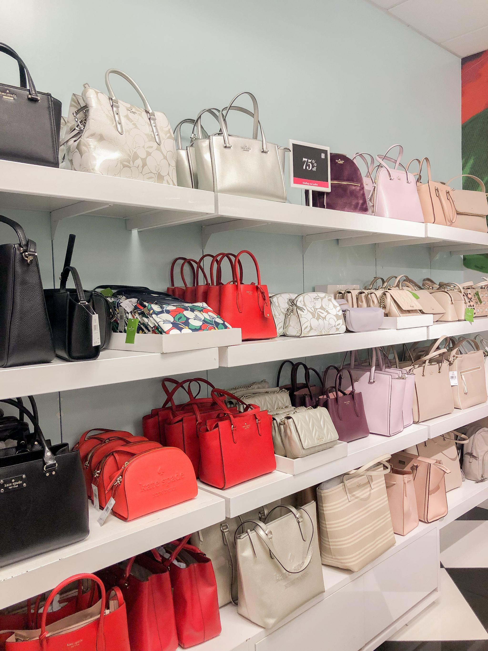 shopping at Waikele Premium Outlets - Simon Center Outlets - outlet mall Hawaii - Oahu outlet mall - back to school shopping Hawaii - outlet mall in hawaii - kate spade new york outlet hawaii
