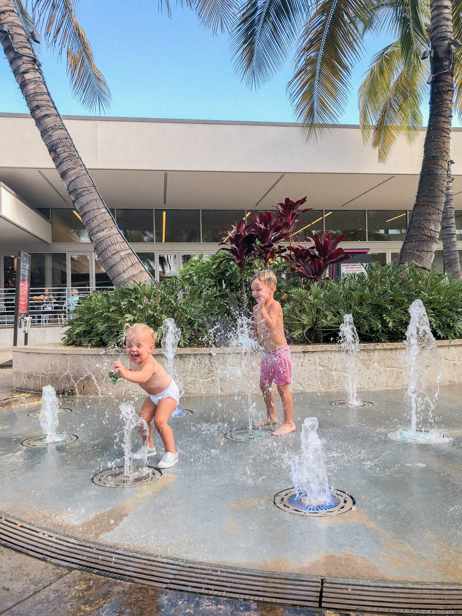 Ka Makana Ali'i splash pad - splash pad on Oahu - splash pad honolulu - splash pad hawaii - military family Hawaii - kid friendly activities in Hawaii - kid activities on Oahu - kid activities in Honolulu - toddler friendly Hawaii - Things for toddlers to do in Hawaii