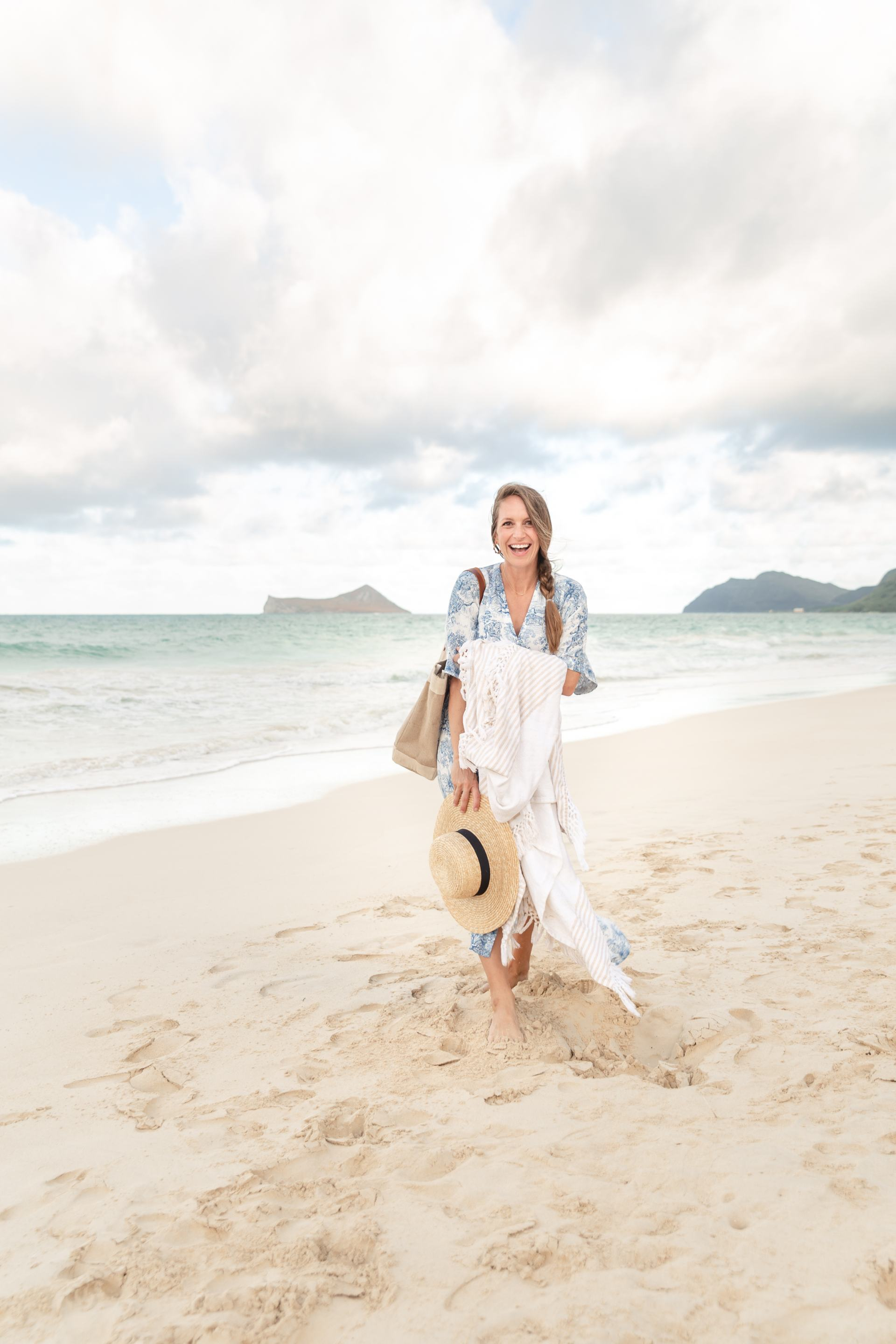 maternity photos - 23 weeks pregnant - beach maternity photos - pregnancy photos - hawaii beach photos - hawaii beach photographer - blue and white dress - H&M blue and white toile dress - 23 weeks pregnant maternity photo shoot - maternity shoot - maternity photo ideas - pregnancy photo ideas - waimanalo beach - hawaii blogger - honolulu blogger - mom blogger - classic style