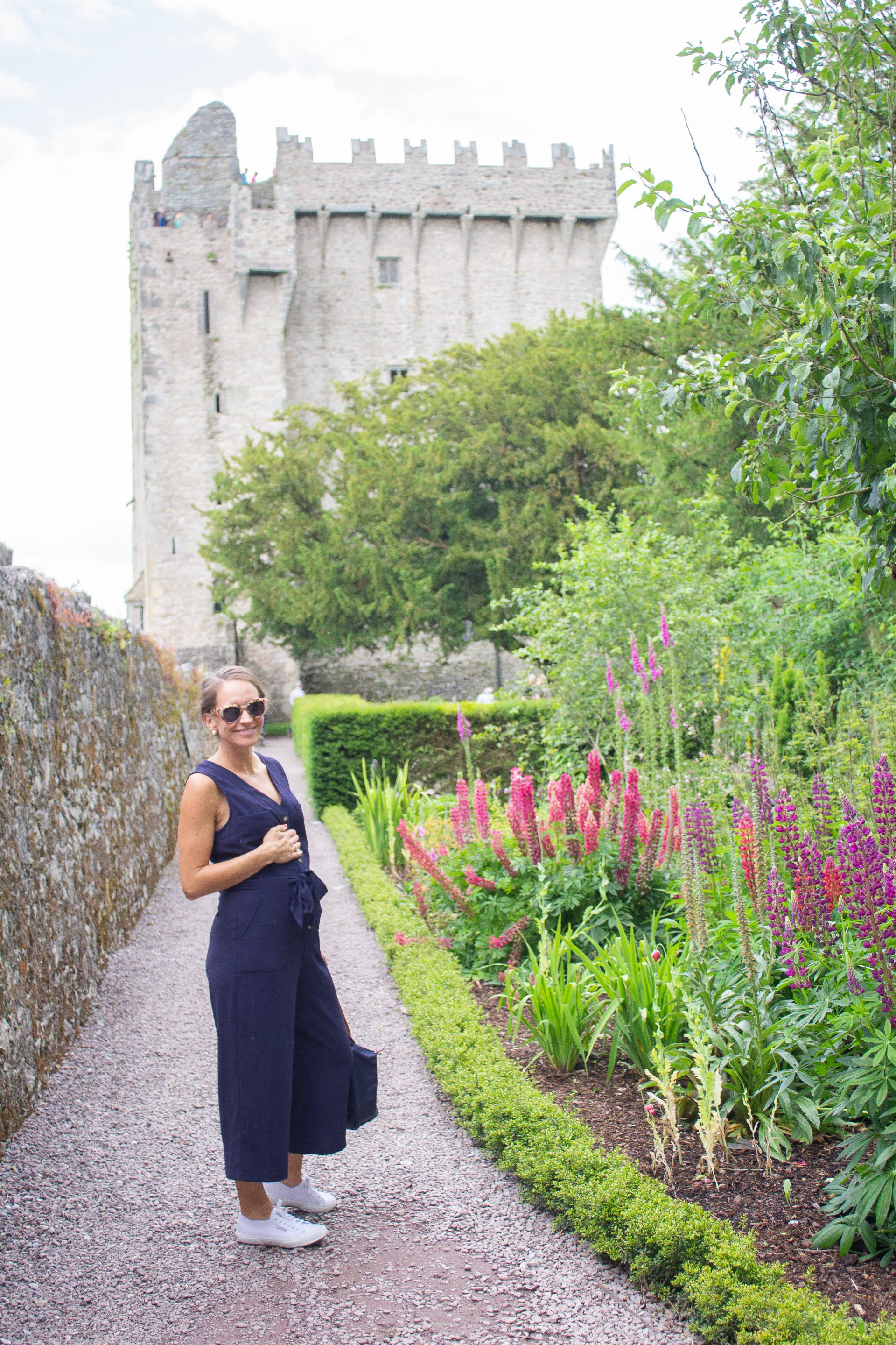 dublin - traveling in ireland - travel style - travel outfit inspo - blarney castle