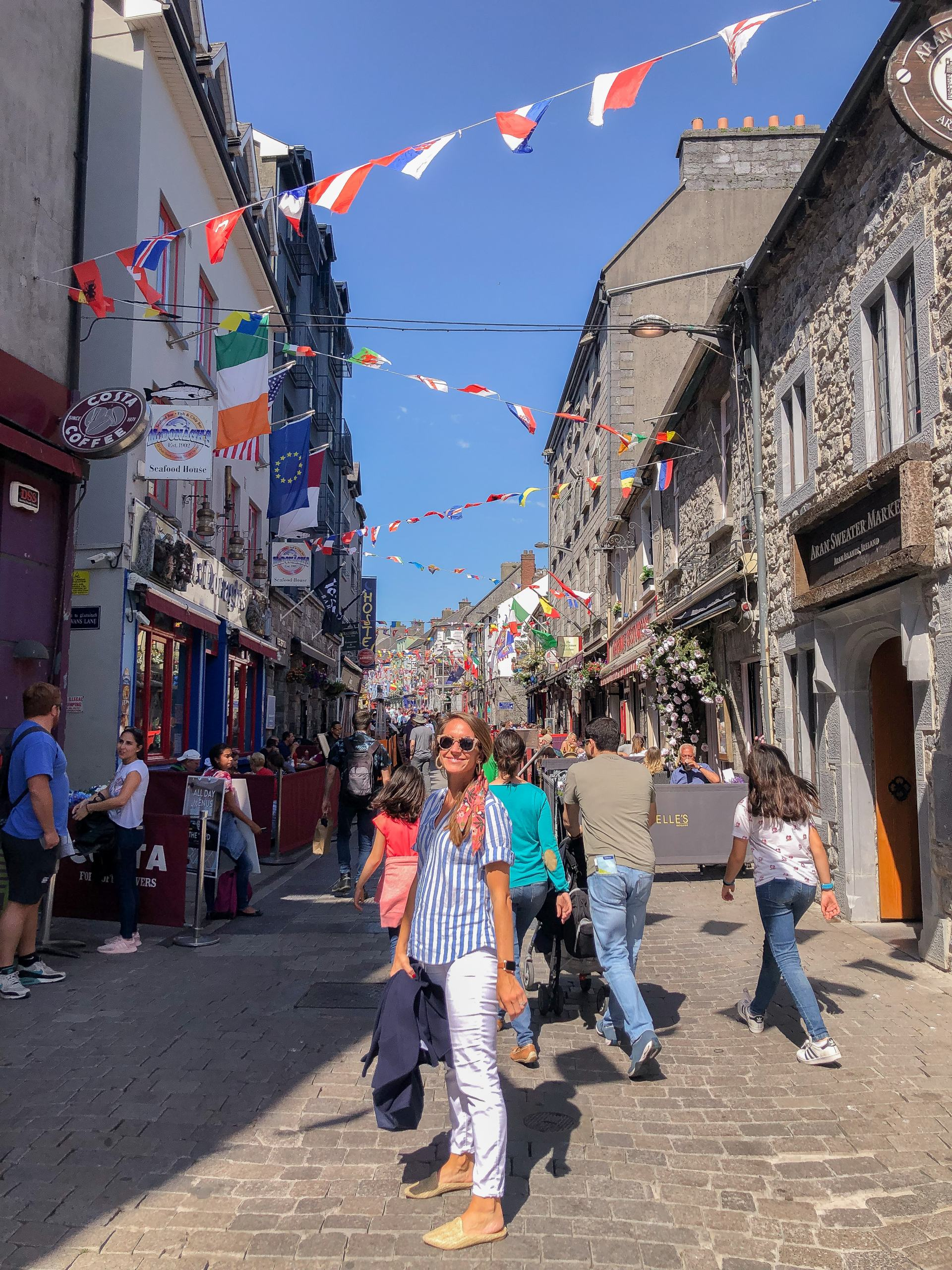 traveling in ireland - travel style - travel outfit inspo - galway