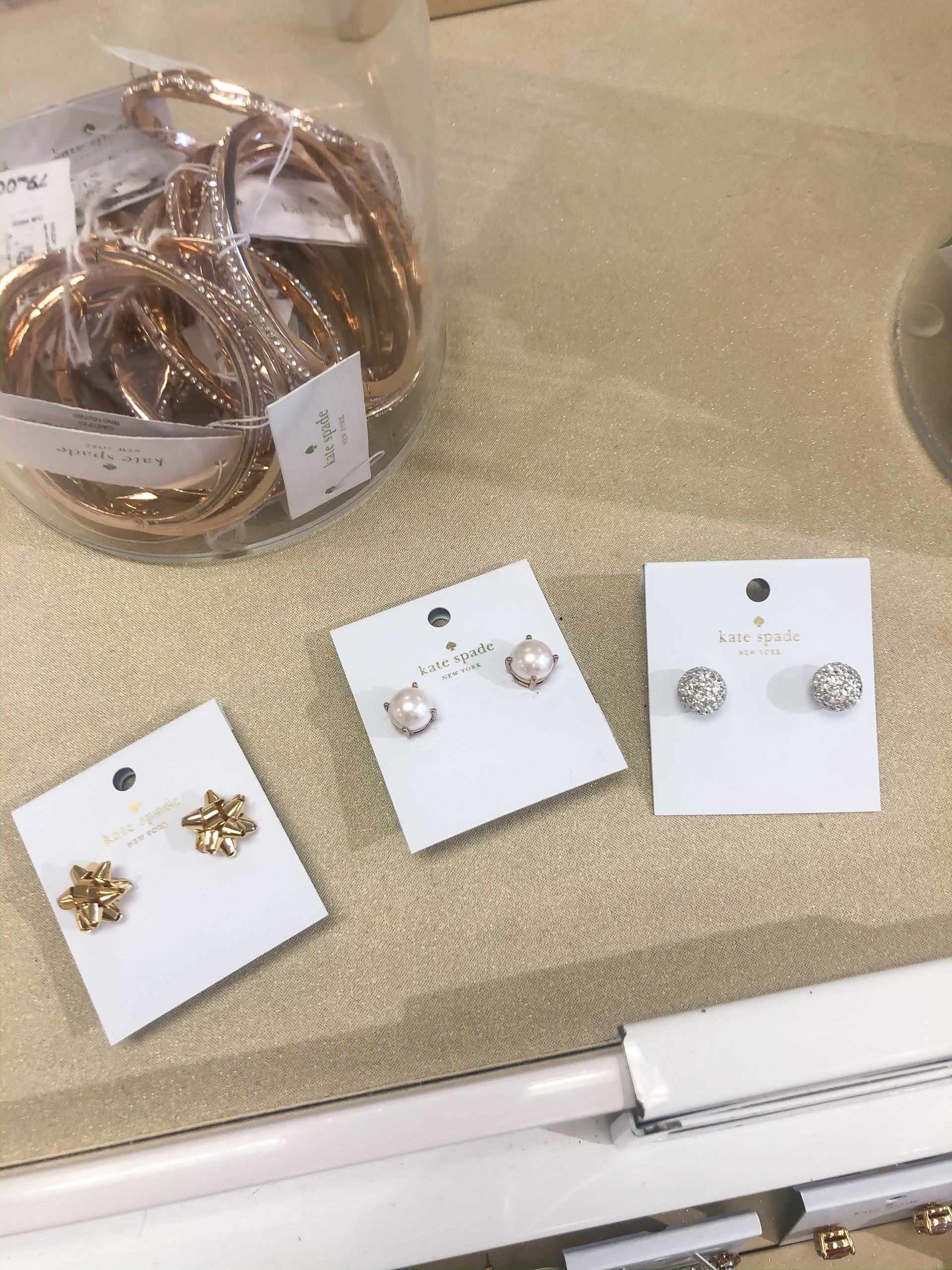 holiday ready waikele premium outlets - shopping at Waikele Premium Outlets - Simon Center Outlets - outlet mall Hawaii - Oahu outlet mall - holiday shopping Hawaii - outlet mall in hawaii - kate spade new york outlet hawaii - kate spade new york holiday earrings