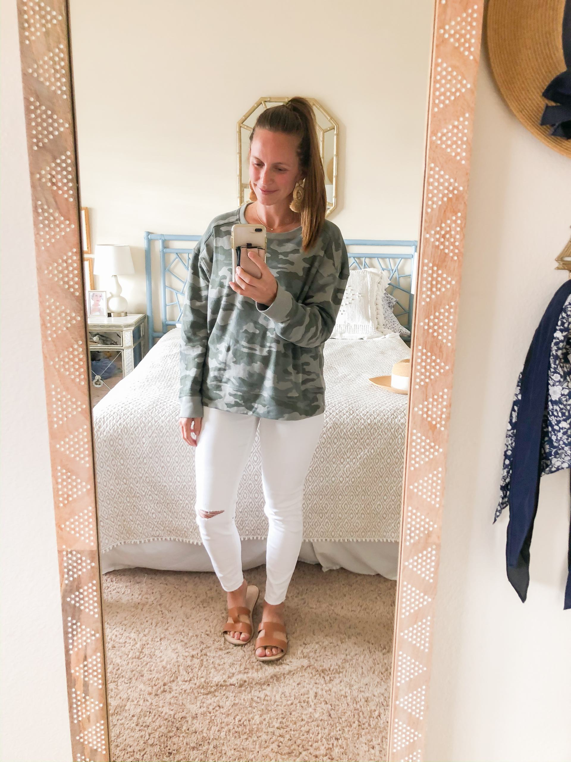 camo sweatshirt - white jeans - camo and jeans - spring style - spring outfit ideas - spring fashion - classic style