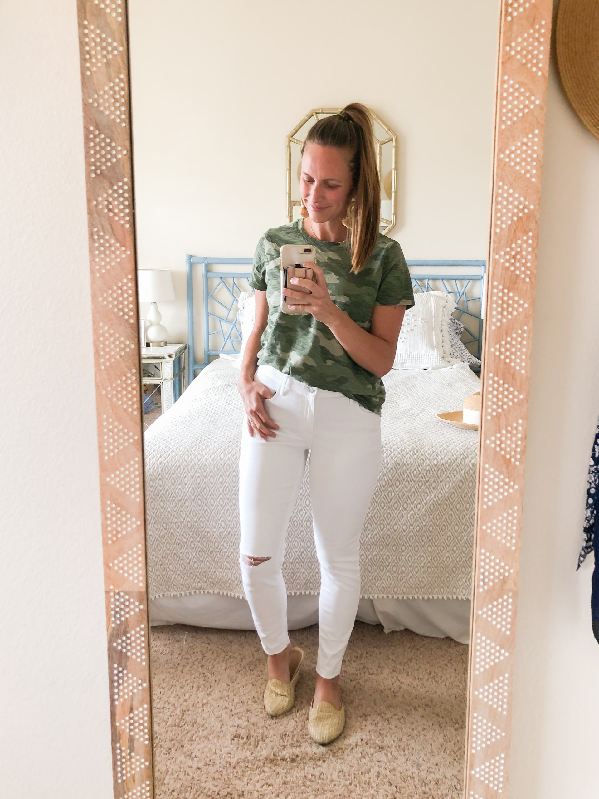 camo tshirt - white jeans - spring outfit ideas - mom friendly outfit - how to style a camo shirt - spring style