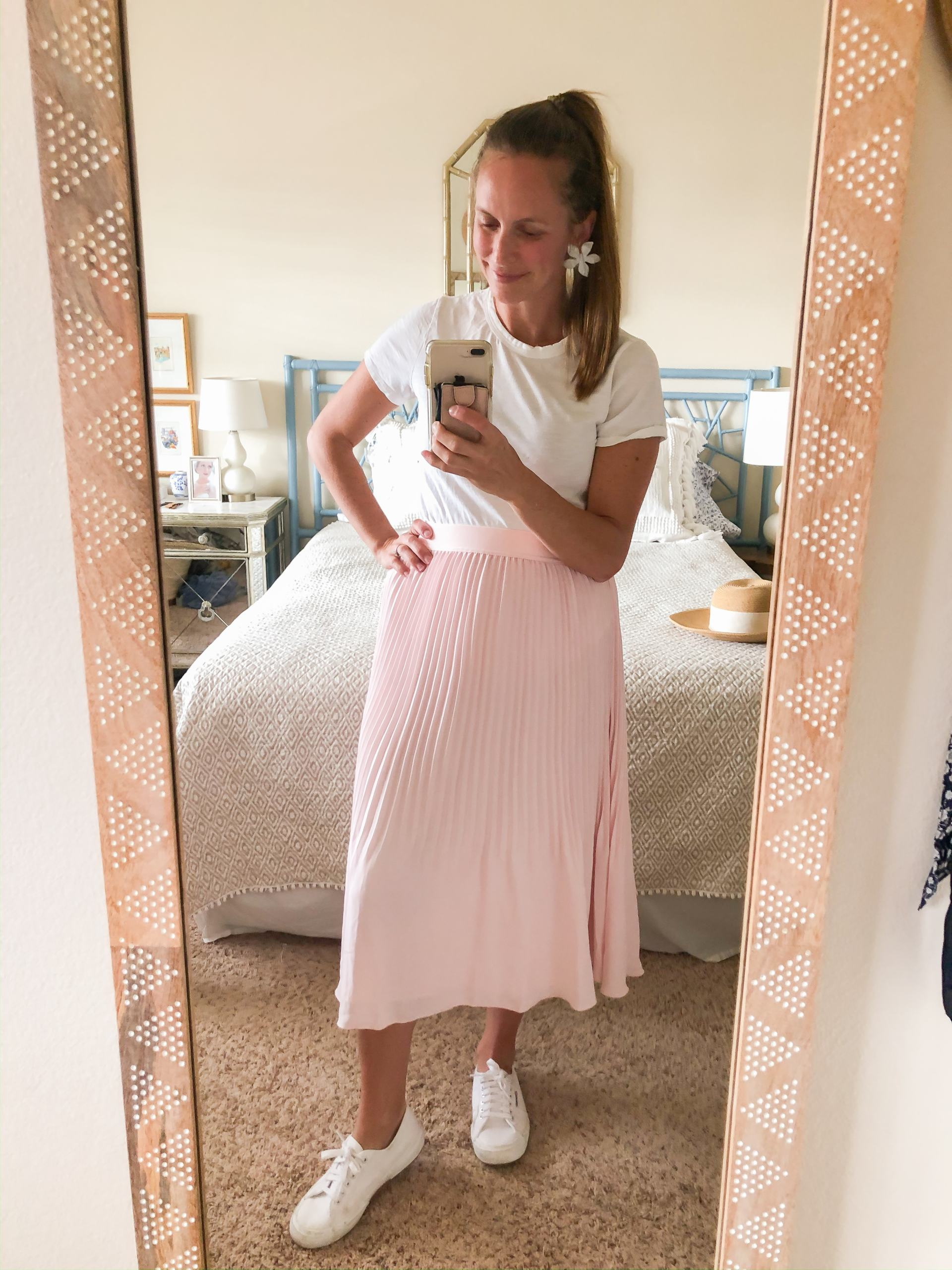 pleated pink midi skirt - elastic waist midi skirt - mom friendly midi skirt - spring outfit ideas - skirt and sneakers - skirt with sneakers
