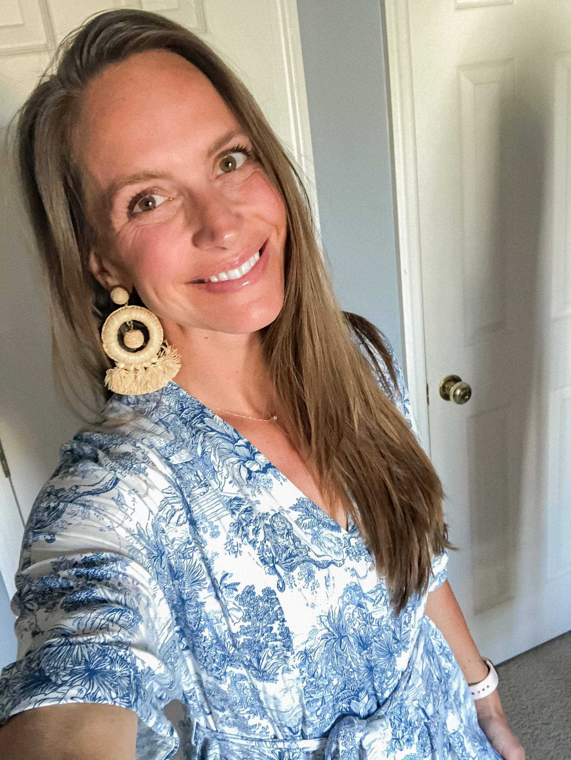 beautycounter flawless in five - tuckernuck raffia earrings - blue and white dress - caftan dress - clean beauty