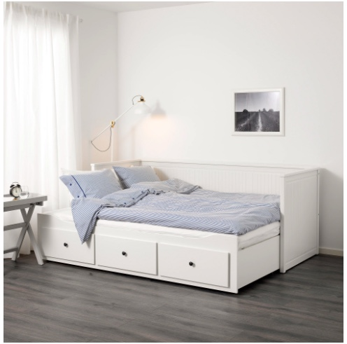 Hemnes daybed with drawers pulls out to king