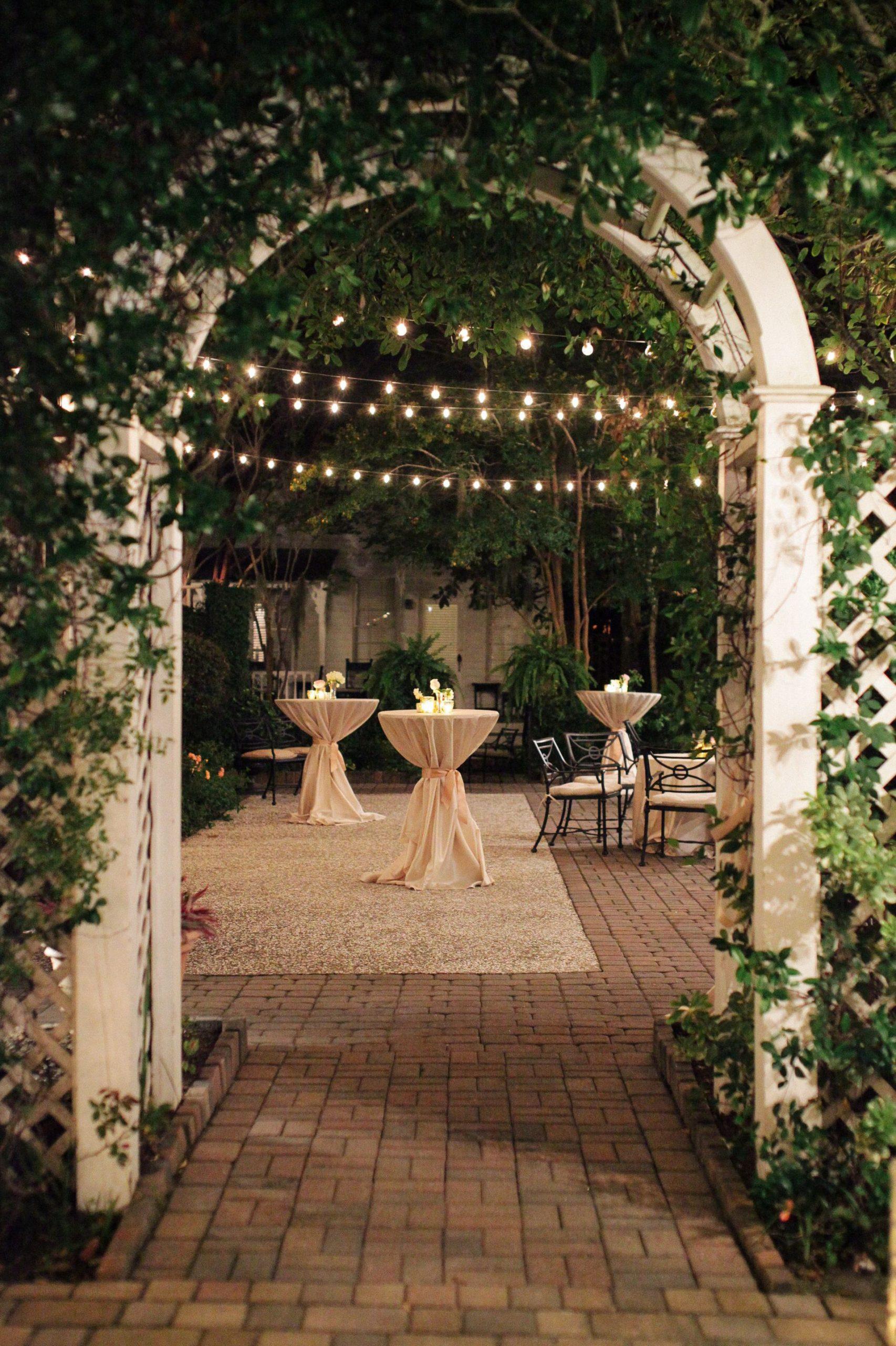 cocktail hour wedding reception