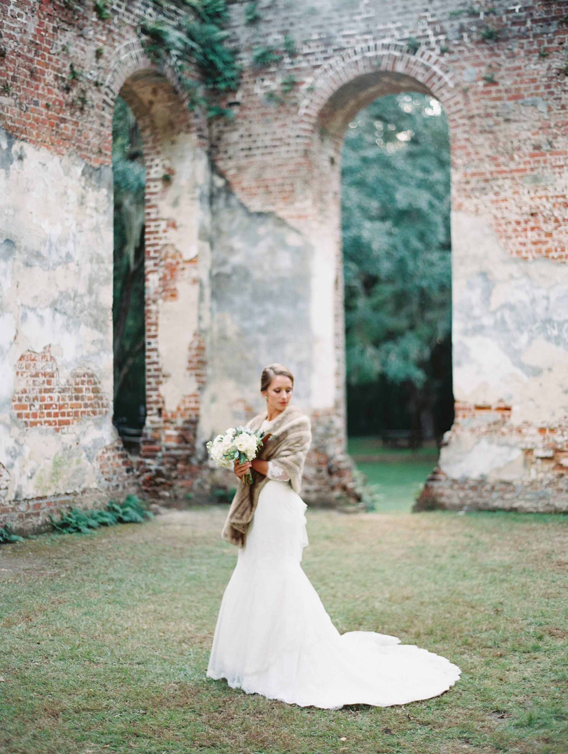 bride with fur stole