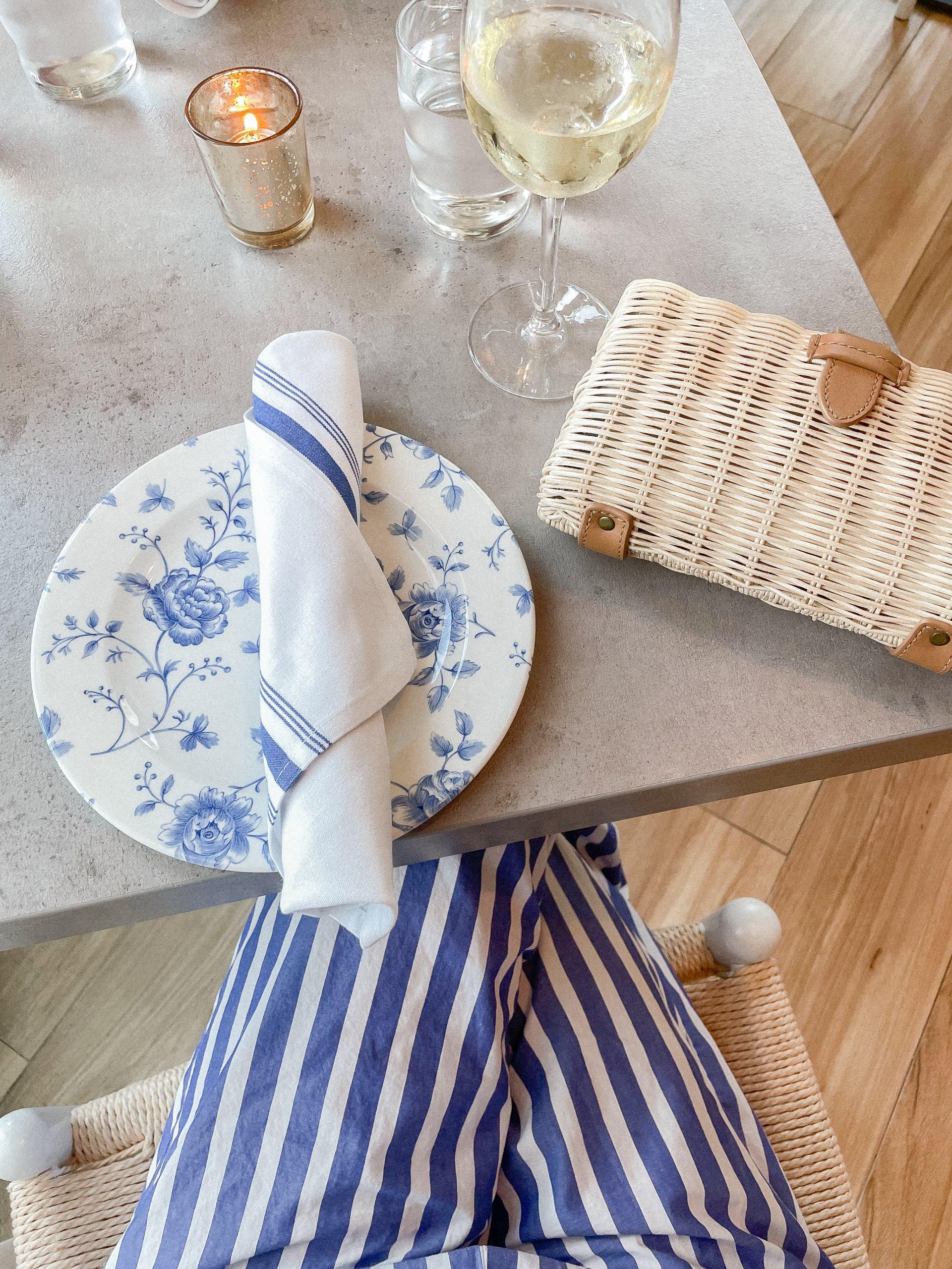 baha mar cleo restaurant - restaurants in nassau - rattan clutch